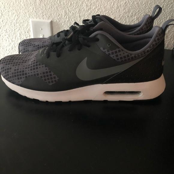 new product 7d3bb f3c86 Nike Air Max Tavas Size 12. M 5a8b5d21d39ca2f1d22c24aa